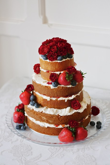 how to make a 3 tiered victoria sponge wedding cake 3 tier sponge cake flickr photo 15776