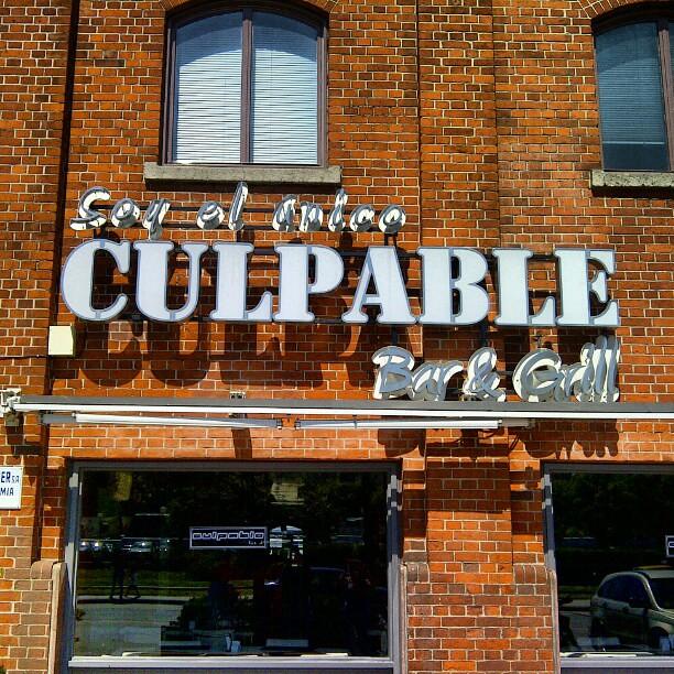 Tremendo el nombre de este restaurante soy el nico culp for Photo de bar restaurant