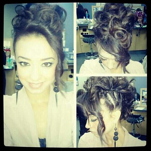 hair style with curls my kinda style hair byme updo hairstylist cosmotolog 8250