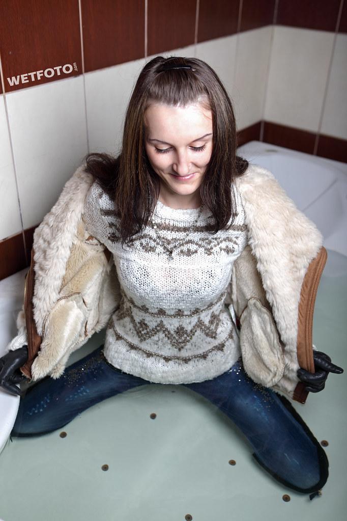 wetlook in jacuzzi with bru te girl in wet tight jeans
