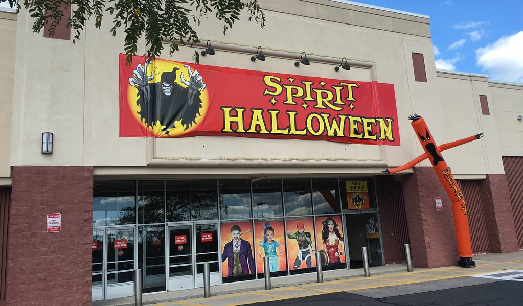 spirit halloween shop 2016 former sports authority farmington ct pics by mike mozart