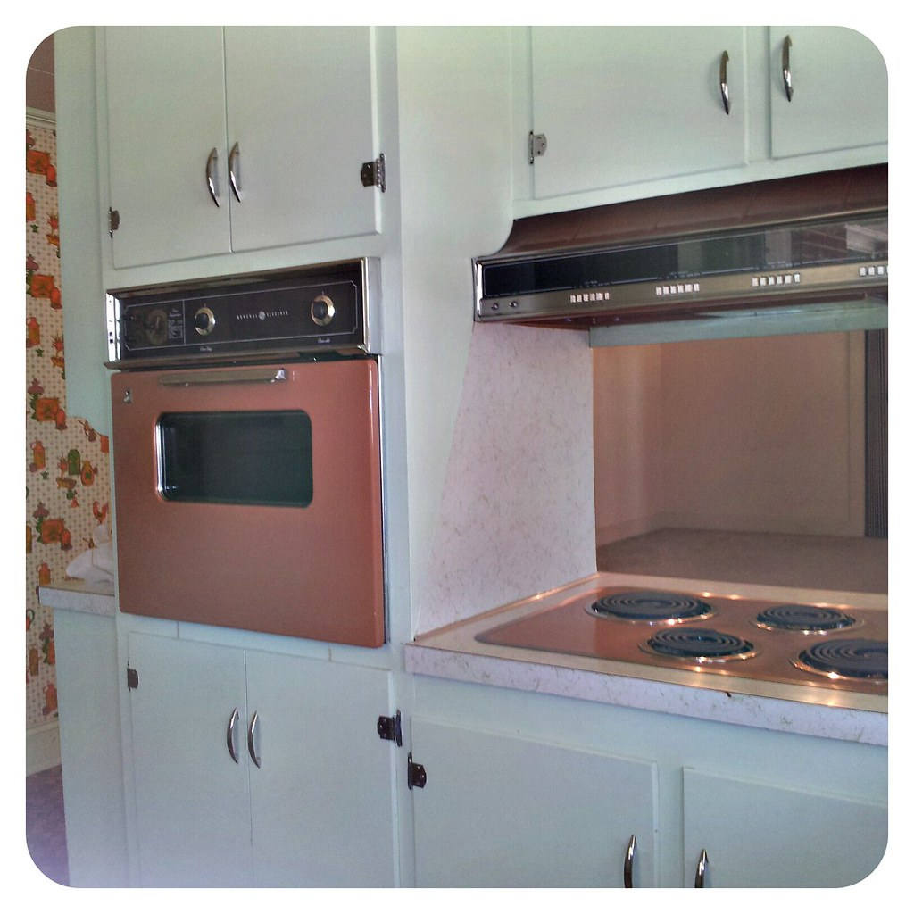 my new old kitchen with built in ge appliances my. Black Bedroom Furniture Sets. Home Design Ideas