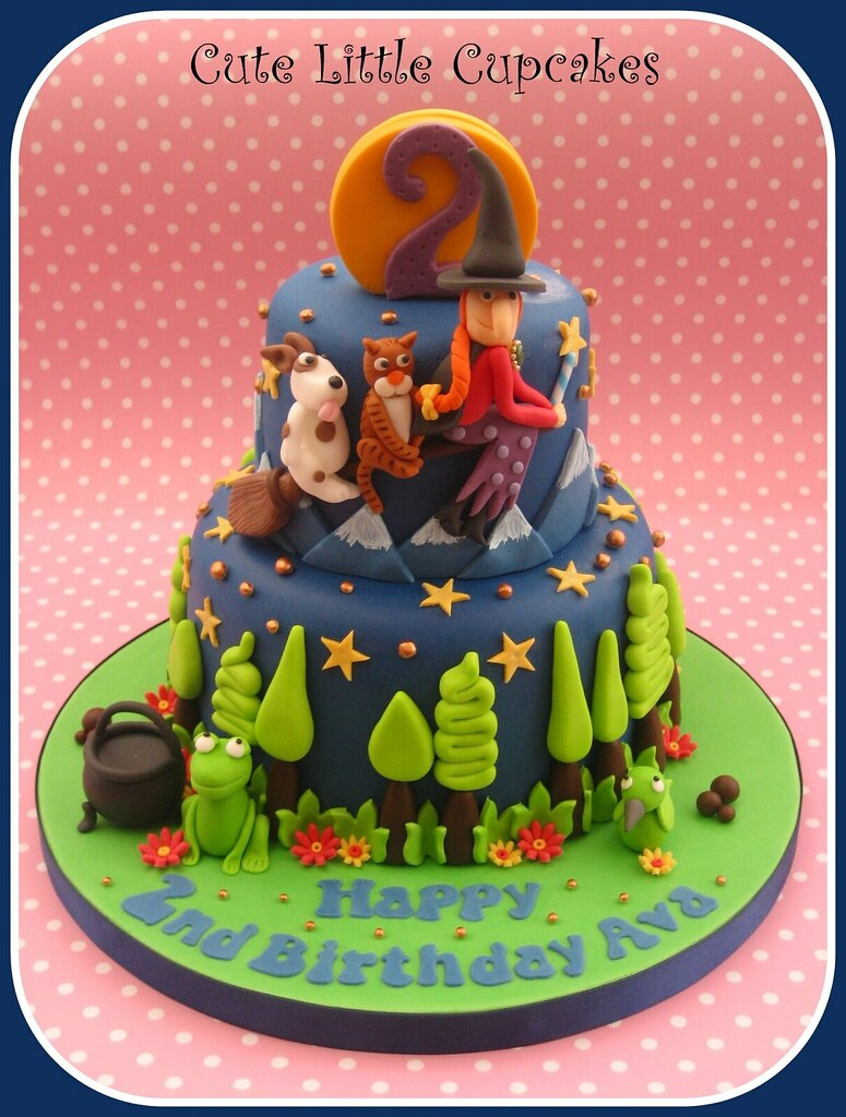 Room On The Broom Cake A Small 2 Tier 4 6 Vanilla