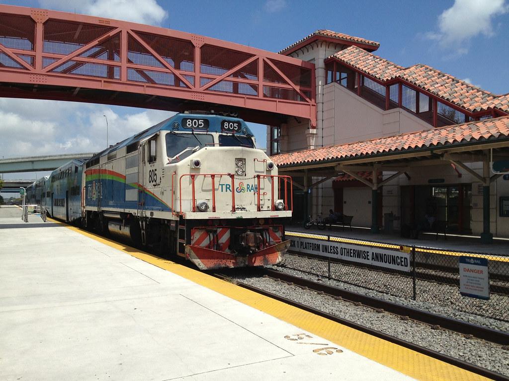 tri rail locomotive 805 ft lauderdale tri rail station