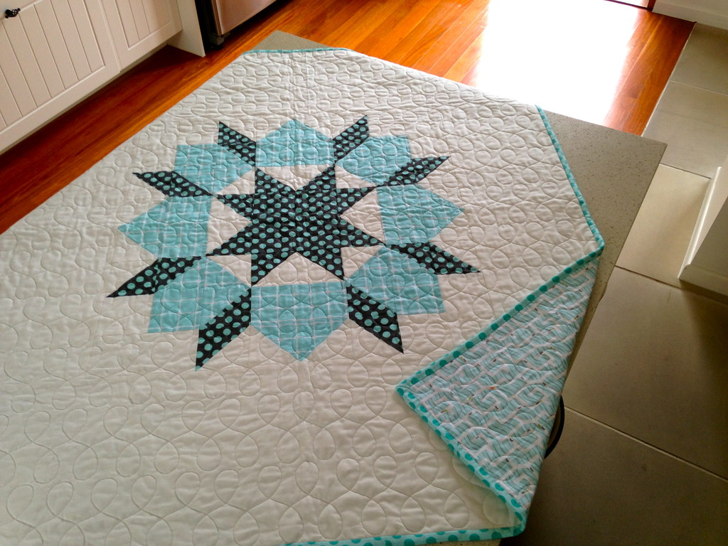 one block Swoon baby quilt , totally borrowed from Camille… | Flickr : one block quilts - Adamdwight.com