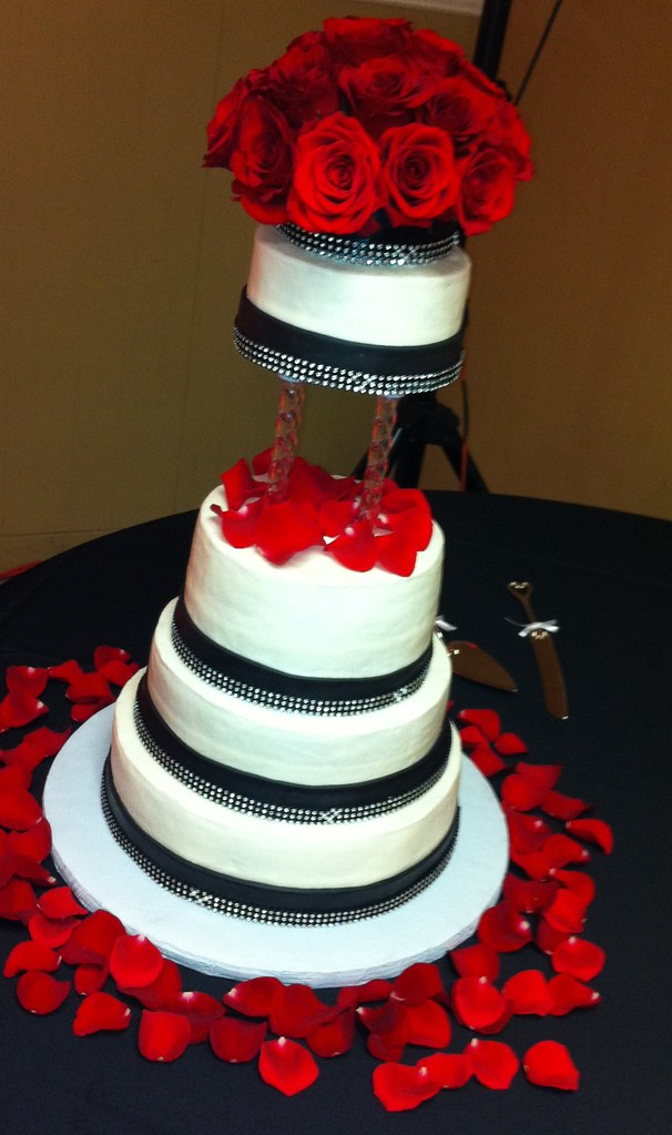 wedding cakes red black and white wedding cake with roses 25346