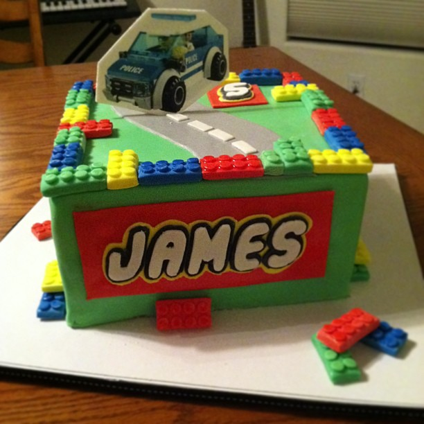 lego birthday cake lego city cake belinda garcia flickr 5454