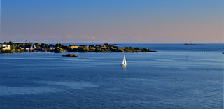 Finnish seaside atmosphere. Helsinki in September. #Finland #Autumn | by L.Lahtinen (nature photography)
