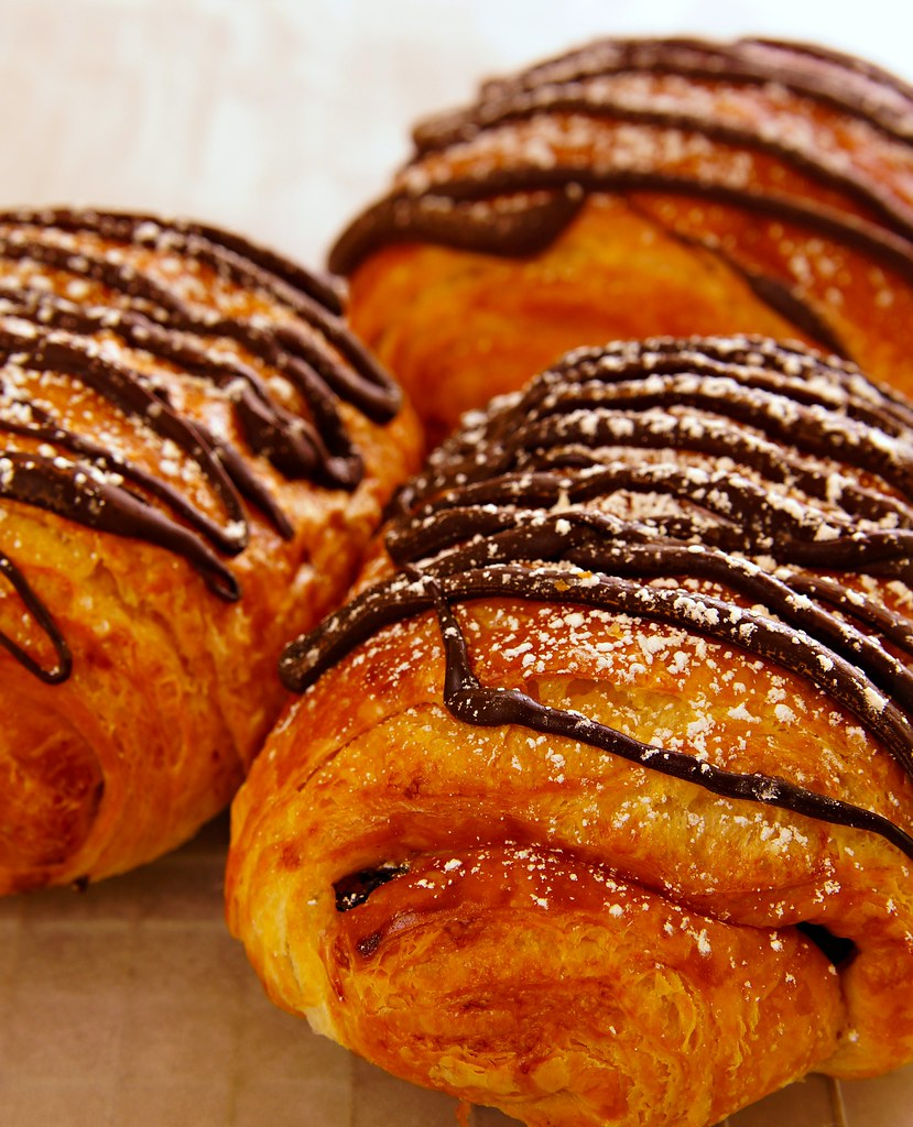 Fresh chocolate croissant | Side shot of chocolate croissant… | Flickr