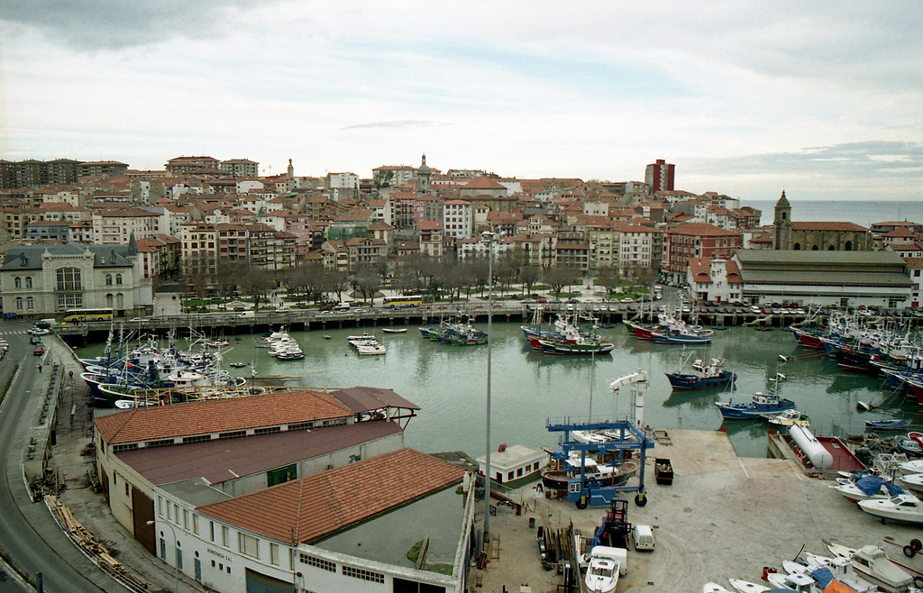 Bermeo [neg-color]