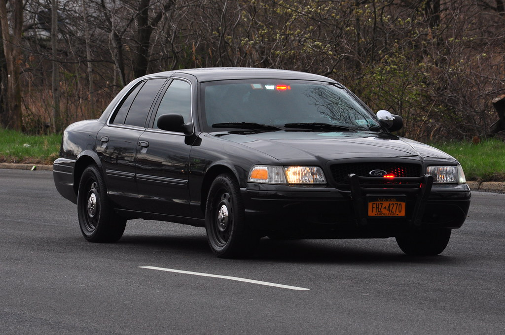 NYPD Highway Patrol Ford Crown Victoria RMP | One vehicle MV ...