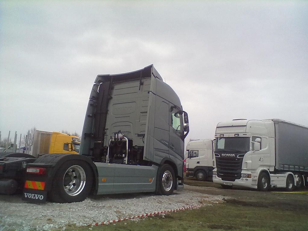 5s Volvo Fh12 500 Vs 6s Scania R500 Est Ananjevas