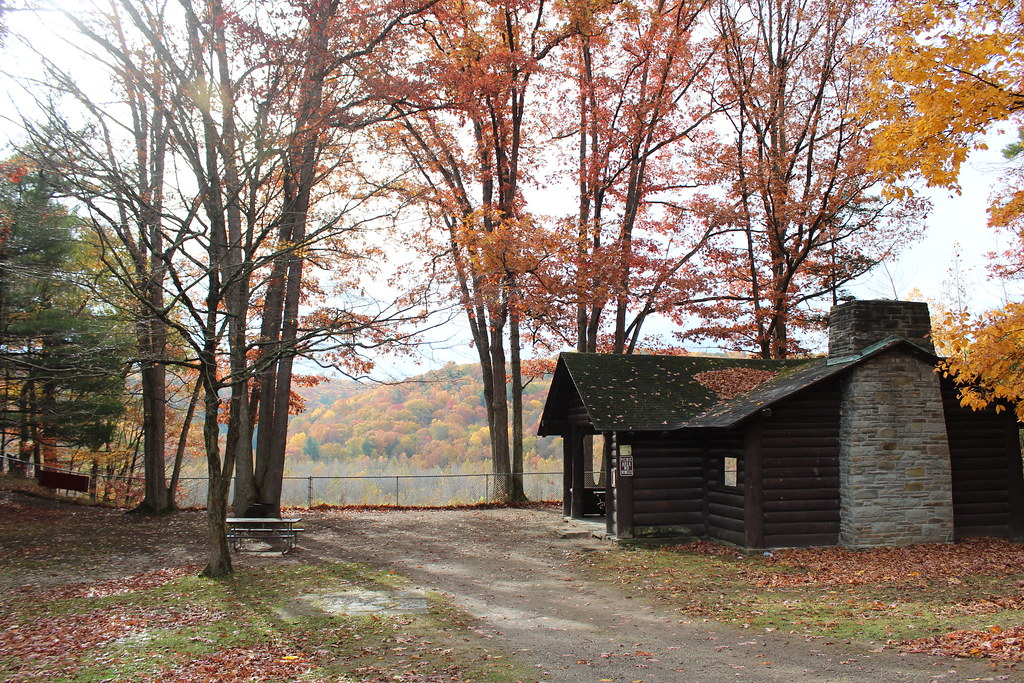 Letchworth state park cabin in the fall letchworth state for Cabins near letchworth state park