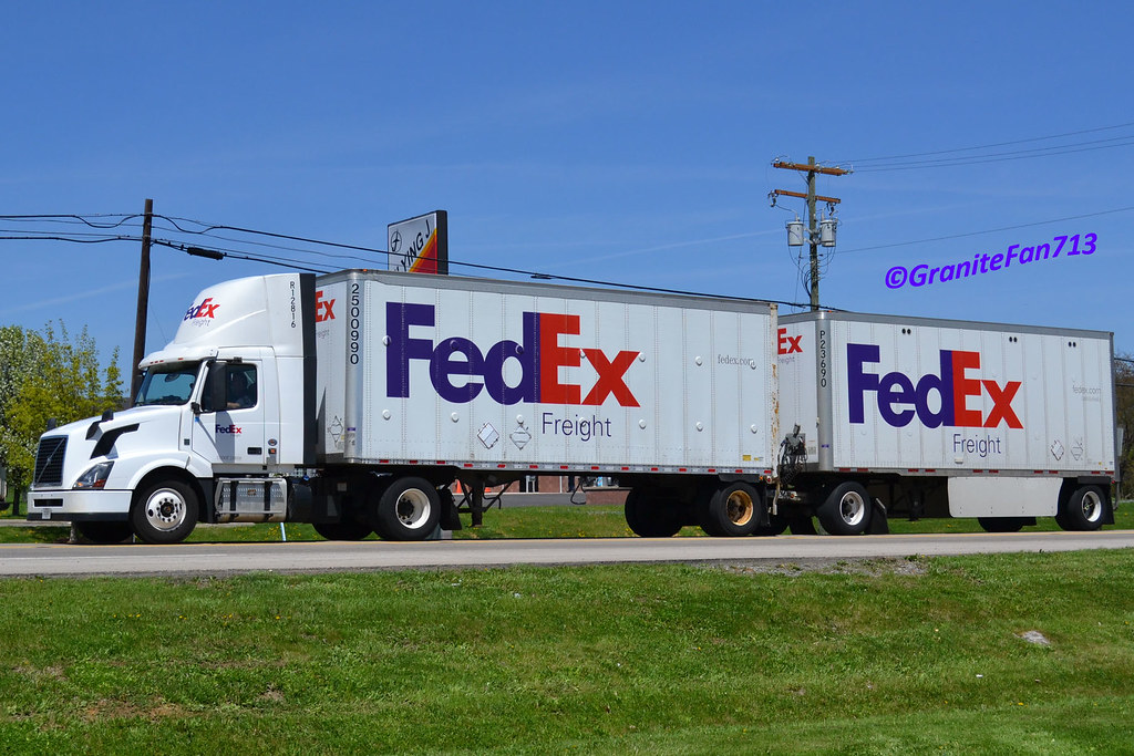 Fedex Freight Volvo Vnl300 With Doubles R12816 Trucks