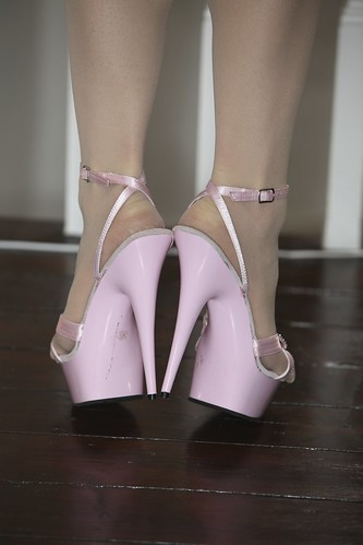Pink Sandals Amp Pantyhose Heel Town Flickr