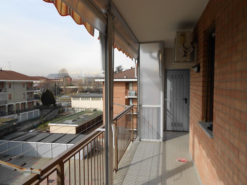 Chiusura completa di balcone con tenda veranda estate inve for Idee di veranda laterale