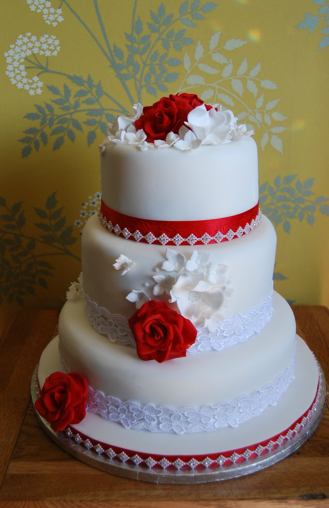 vintage inspired wedding cakes vintage style wedding cake roses 10 inch rich 21602