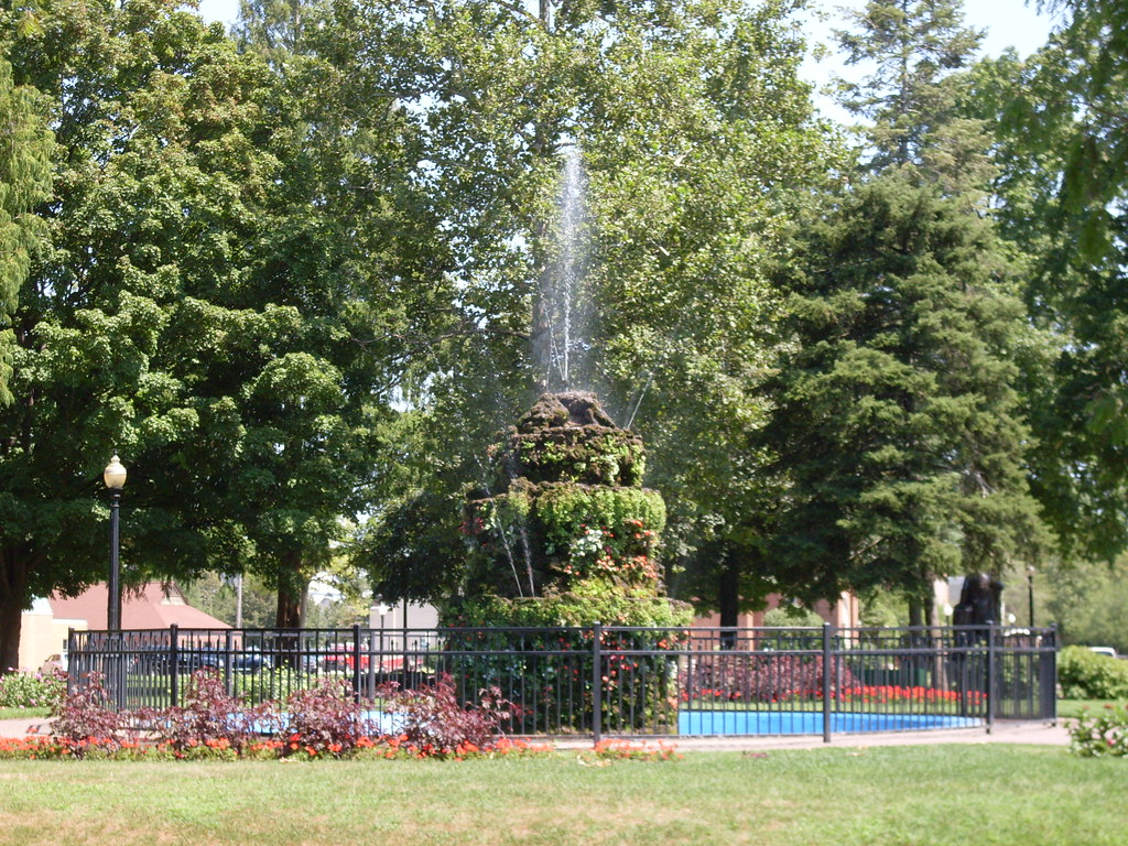 Holland Michigan Centennial Park Fountain Darrell Harden Flickr