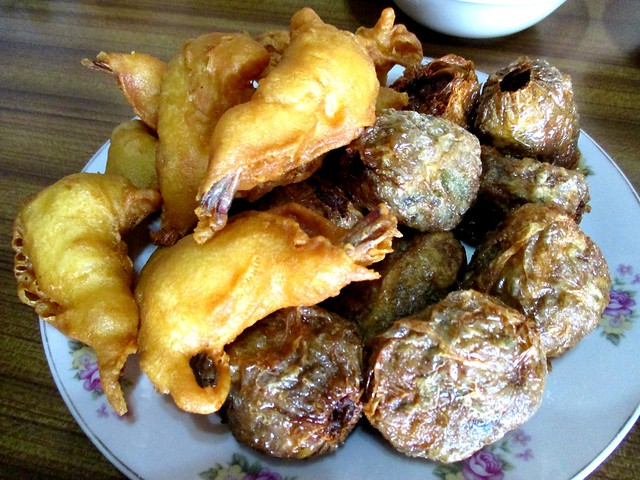 A Plus Restaurant prawn fritters and ngor hiang