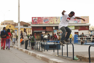 130224 - Rollin / bs feeble pop out - Analakely, Antananarivo | by Guillaume Gr.