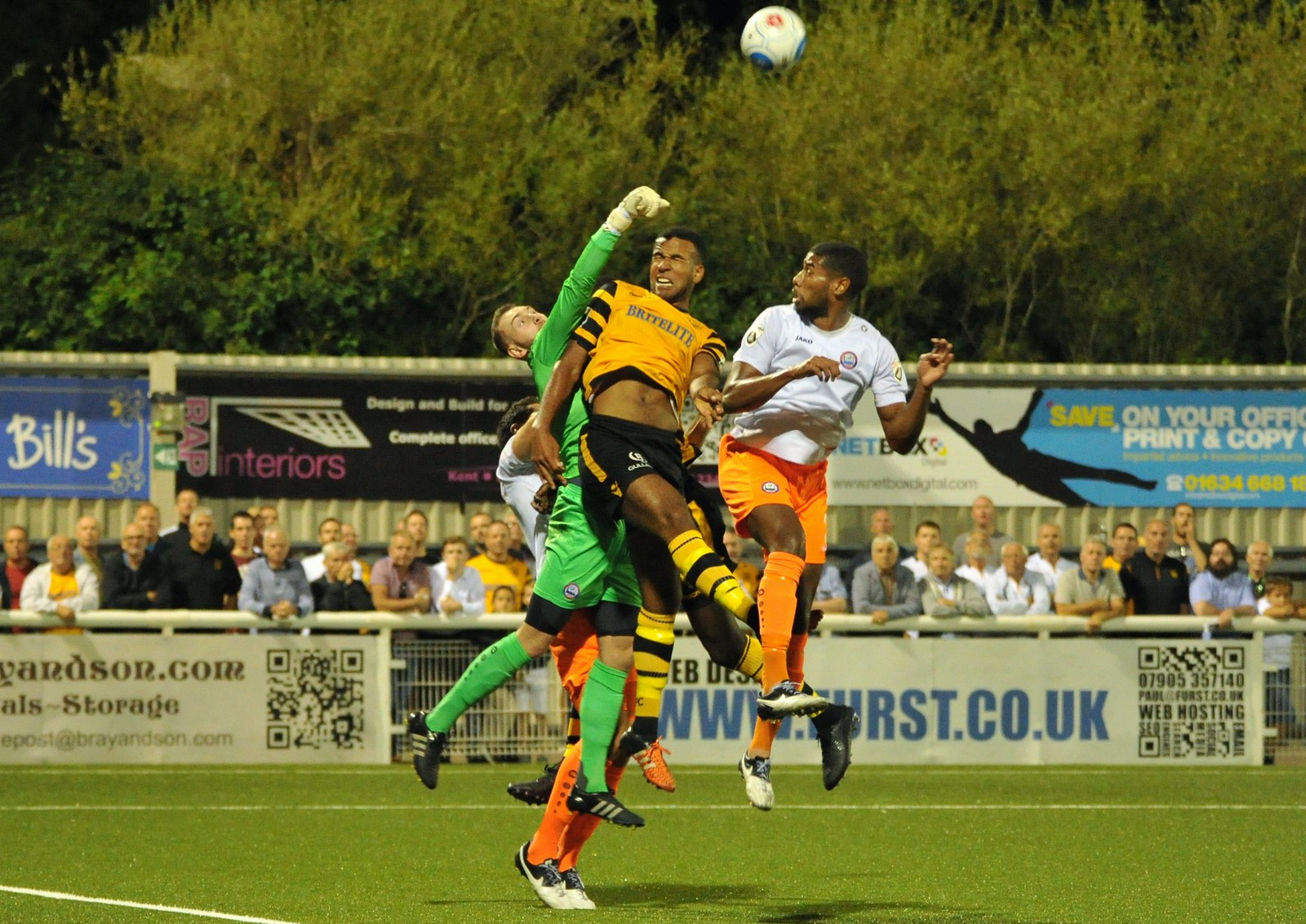 Maidstone United v Braintree Town 290