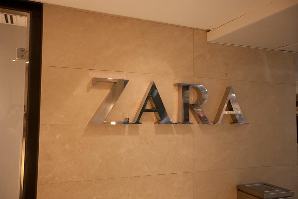 Zara Logo 2013 | Taken in front of a ZARA Store | FuFu ...