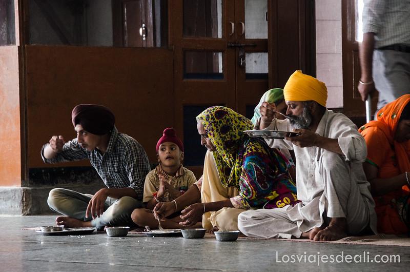 comedor del templo dorado de los sijs