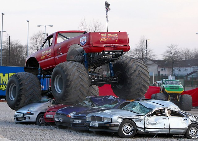Monster Truck Games - Crush Those Cars - Agame.com