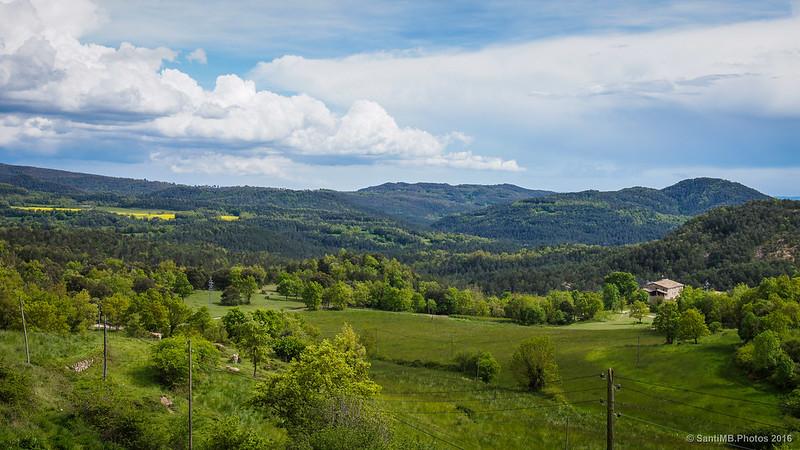 Mirando hacia La Vall desde el Casino d'Alpens