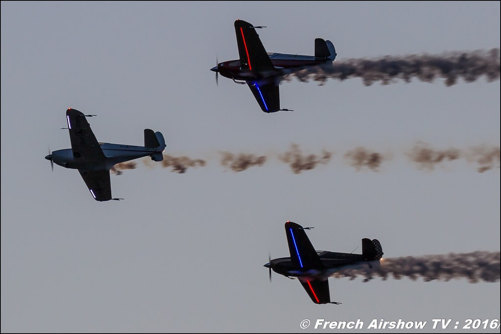 Sunset , Night Airshow , Patrouille swift , Team swift , Globe Swift CG-1B , Bell & Ross , Magnomeca ,22 ème meeting aérien international de Roanne , Meeting Aerien Roanne 2016, Meeting Aerien Roanne , ICAR Manifestations , meeting aerien roanne 2016 , , Meeting Aerien 2016 , Canon Reflex , EOS System