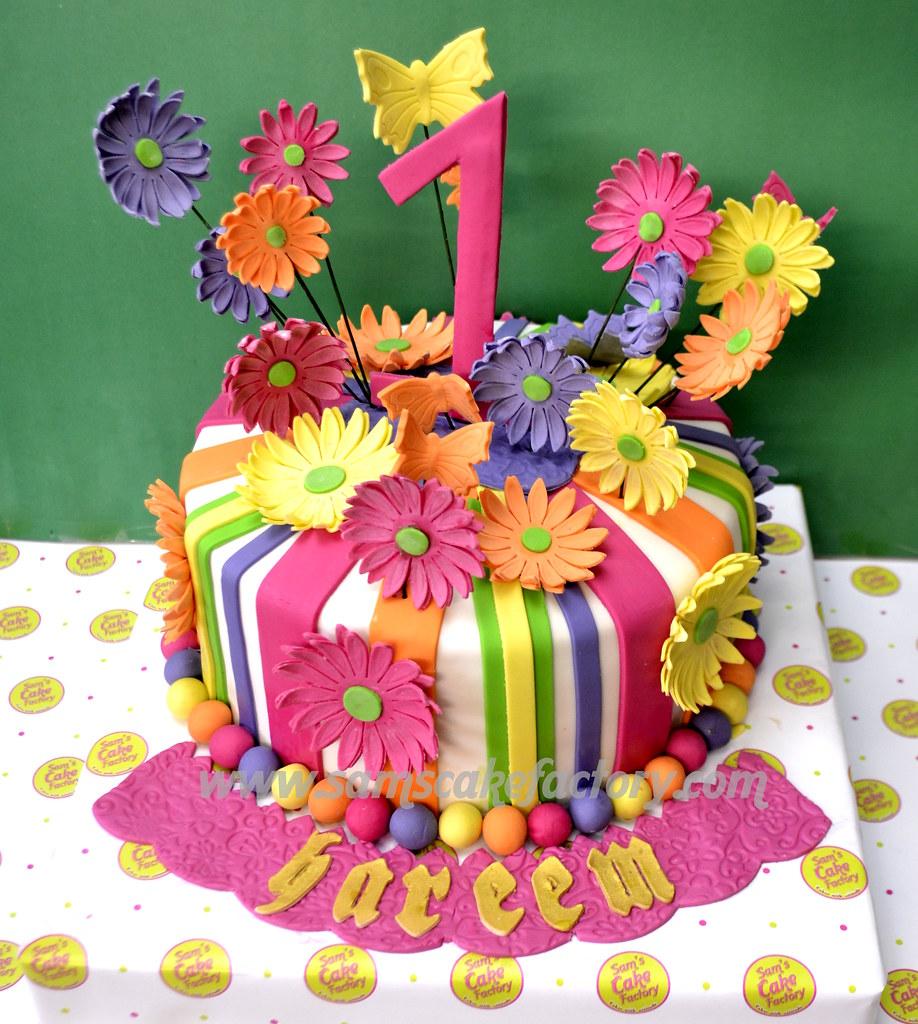 Daisy Flower Cake Daisies All Over The Cake Fondant Cake Flickr