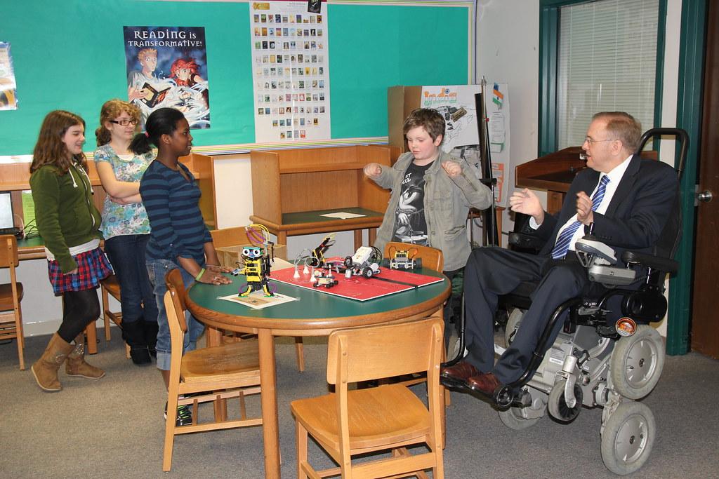 F Deering Middle School Ri Innovative STEM Educat...