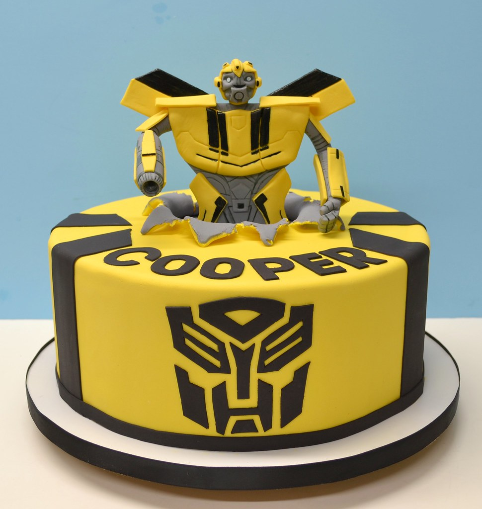 Bumble Bee Transformer Cake Www Lovelycakes Net Flickr