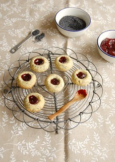 Poppy seed thumbprints | by Patricia Scarpin
