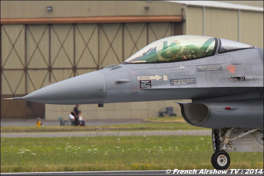 F-16 Solo Display Royal Netherlands Air Force , F-16 Demo Team RNLAF , F-16 Solo Display RNLAF , RIAT , Fairford , Royal International Air Tattoo 2014 , Meeting Aerien Air Tattoo , Meeting Aerien 2014