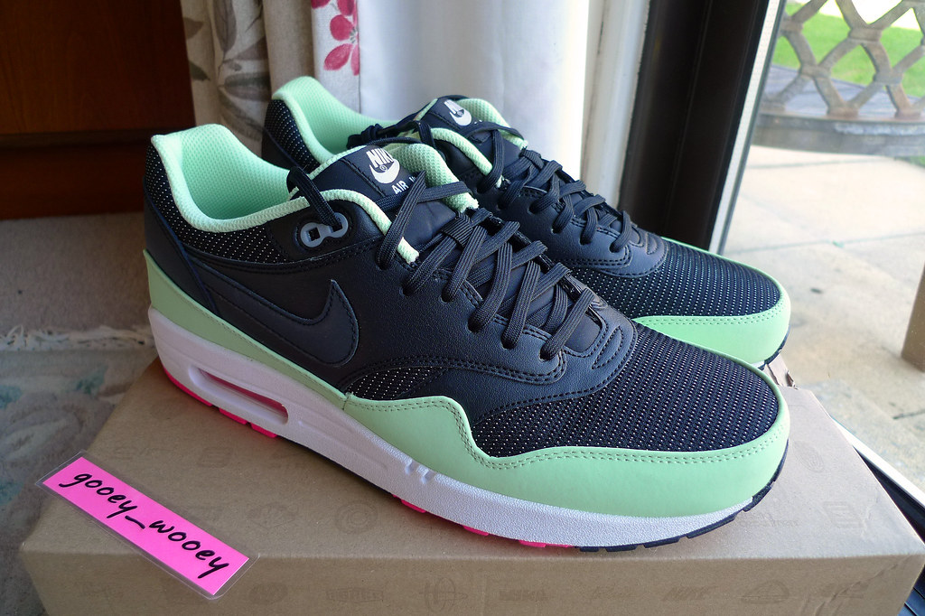 reputable site 522b0 685d2 ... Nike Air Max 1 FB Black  Black - Fresh Mint - Flash Pink