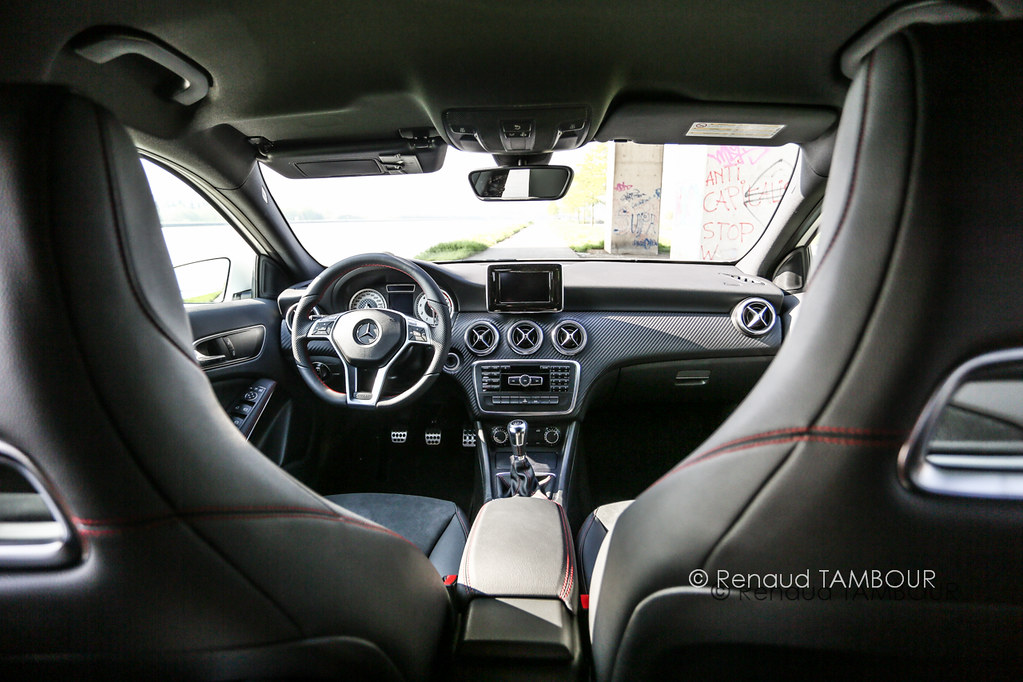 Mercedes a200 amg interior class sport renaud for Mercedes clase a amg interior