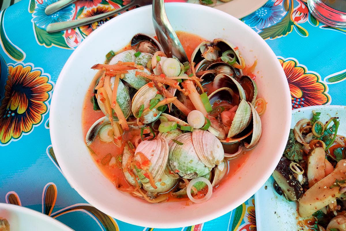 pokpok-ny-clams