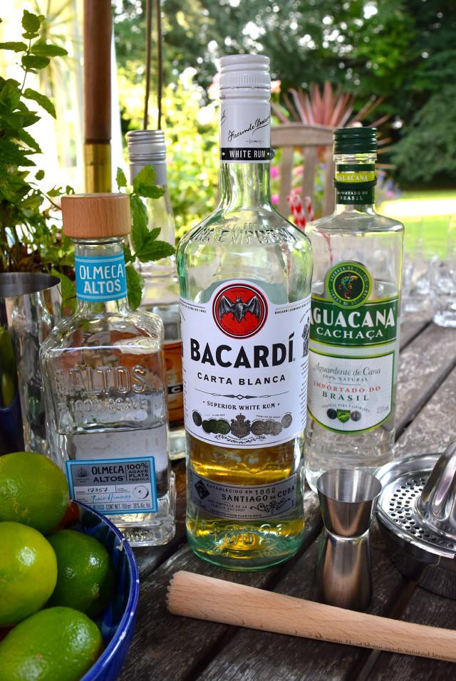 South American Cocktail Bar   www.rachelphipps.com @rachelphipps
