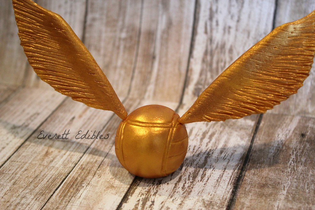 Harry Potter Golden Snitch Cake Topper