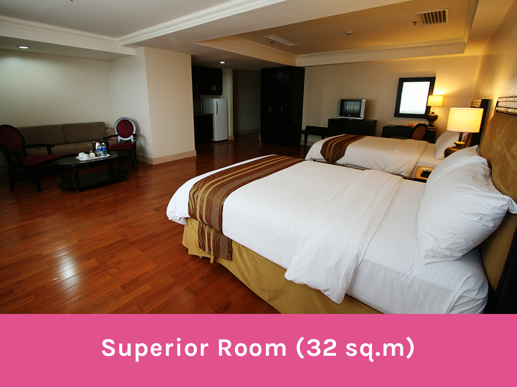 Superior Room Crown Regency Hotel and Towers - Wandering Ella