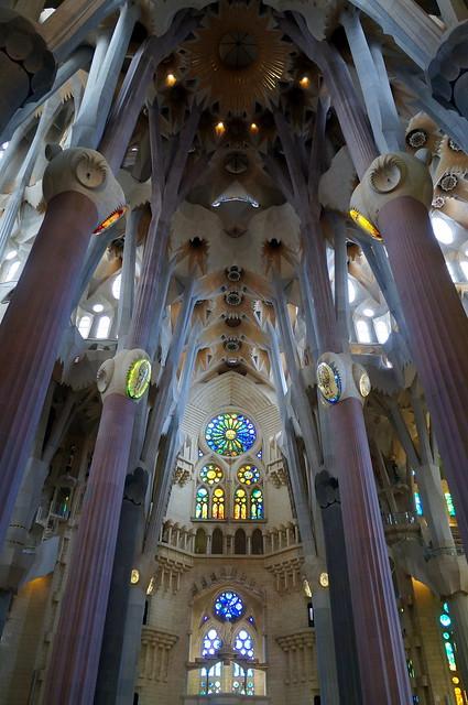 Sagrada fam lia interior 4 bas lica de la sagrada - Sagrada familia interieur ...