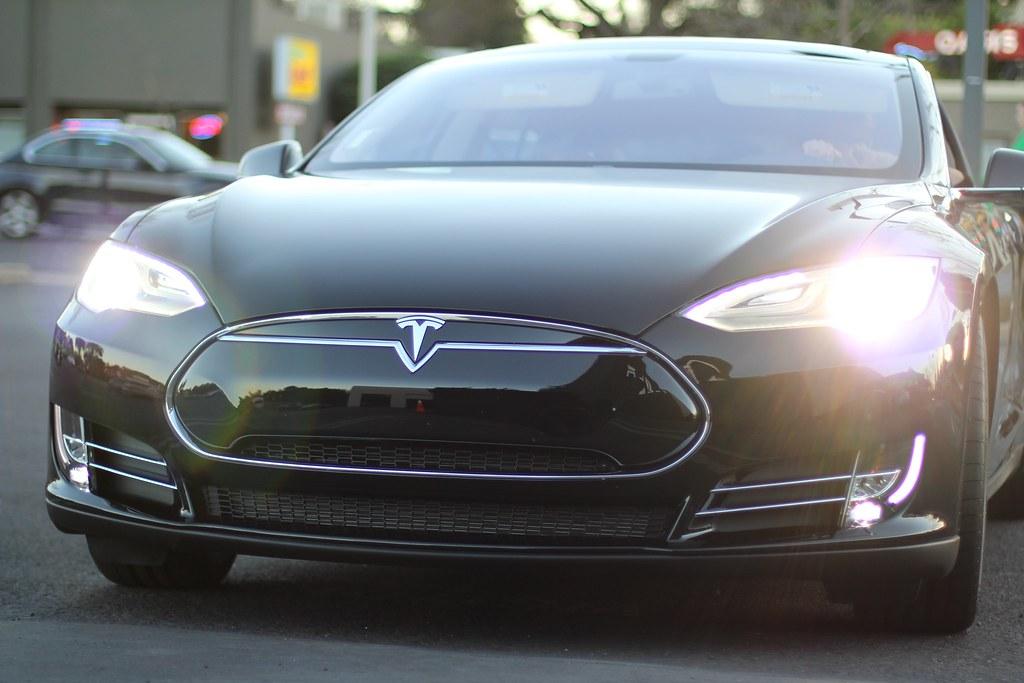 Tesla Car Crash Dui