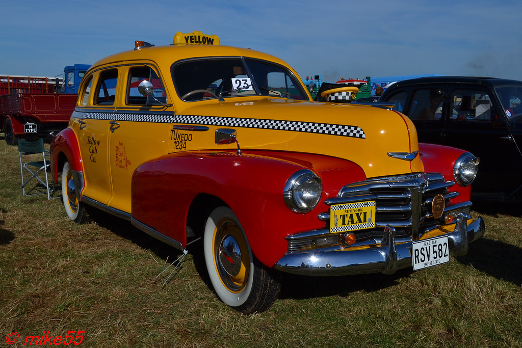 1948 chevrolet fleetmaster new york taxi cab 39 yellow cab c for Schuhschrank yellow cab