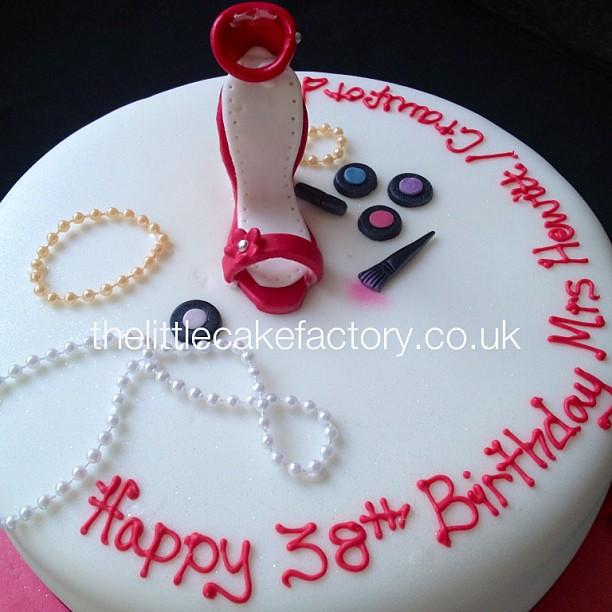 Makeup Birthday Cake