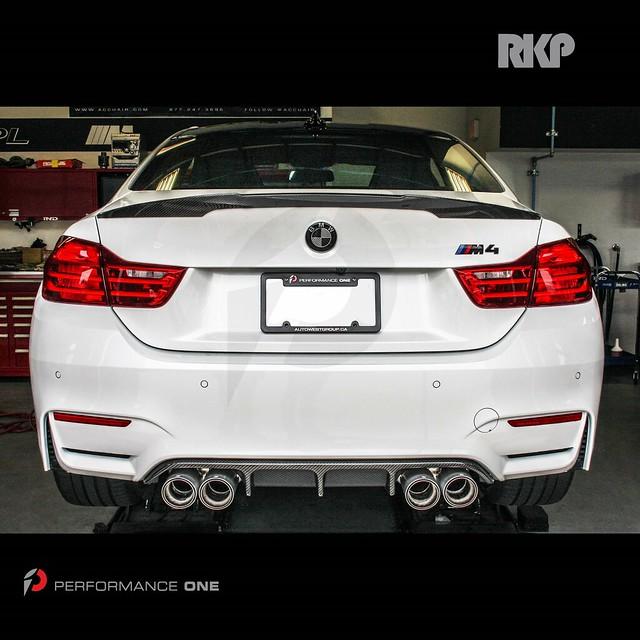 RKP carbon fiber rear diffuser & M Performance carbon fiber trunk spoiler for BMW F82 M4