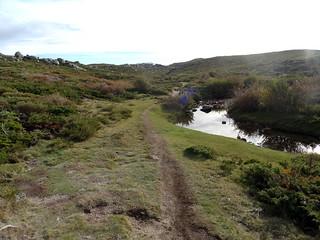 Descente du sentier de l'Eau : en vue du centre de Bucchinera