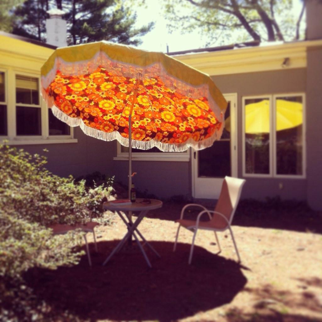 ... Vintage 1970s Patio Umbrella | By Lori.d (Lori Desormeau)