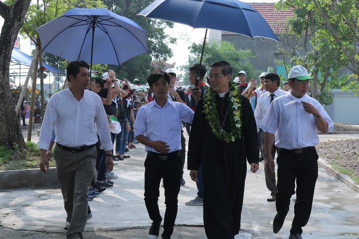 [Tin Ngắn] Đức Cha Giuse Nguyễn Năng Gặp Gỡ Sinh Viên Trong Lễ Truyền Thống Kỉ Niêm 10 Năm Thành Lập.