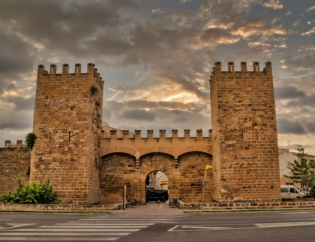 Alcudia City Walls The Alcudia City Walls Date Back To